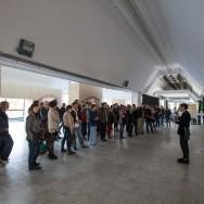 """Oprowadzanie kuratorskie Tomasza Fudali po wystawie """"Miasto na sprzedaż"""""""
